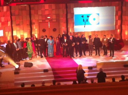 Alle Preisträger zum Gruppenbild auf der Bühne