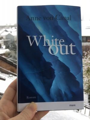 Whiteout von Anne von Canal